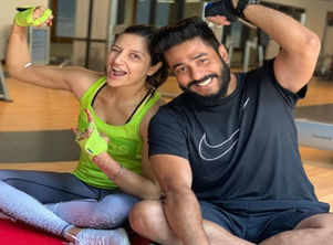 Raj shares workout picture with wife Subhashree