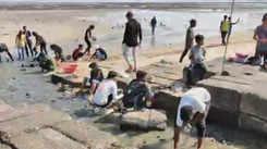 Mumbaikars mark the 90th week of cleanup at Dadar Beach