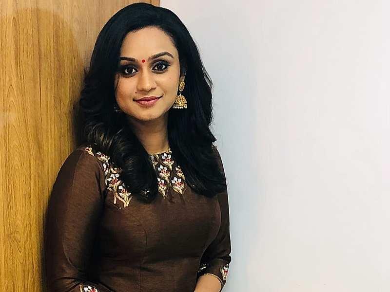 Star Magic premiere scores well on TRP charts; host Lakshmi thanks fans