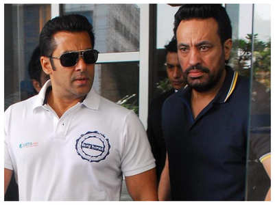 Watch: Salman's bodyguard Shera tries acting