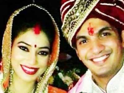 Arjun-Neha celebrate 6th anniversary