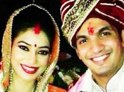 Arjun-Neha celebrate 6th anniversary