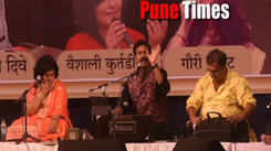 Singer Atul Dive performing a gazal at an event recantly happened in Pune