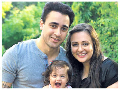 Avantika's mother denies separation reports