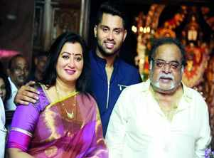 Family, friends to be by Sumalatha's side in Mandya