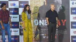 Esha Gupta praises Anupam Kher, says excited to share screen space with my guru