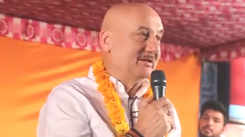 Actor Anupam Kher makes fun of himself