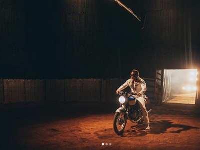 'Bharat': Ali shares BTS pics of Salman Khan