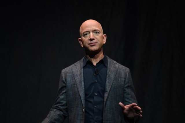 This is what Amazon CEO Jeff Bezos told a woman who asked him to take back a product