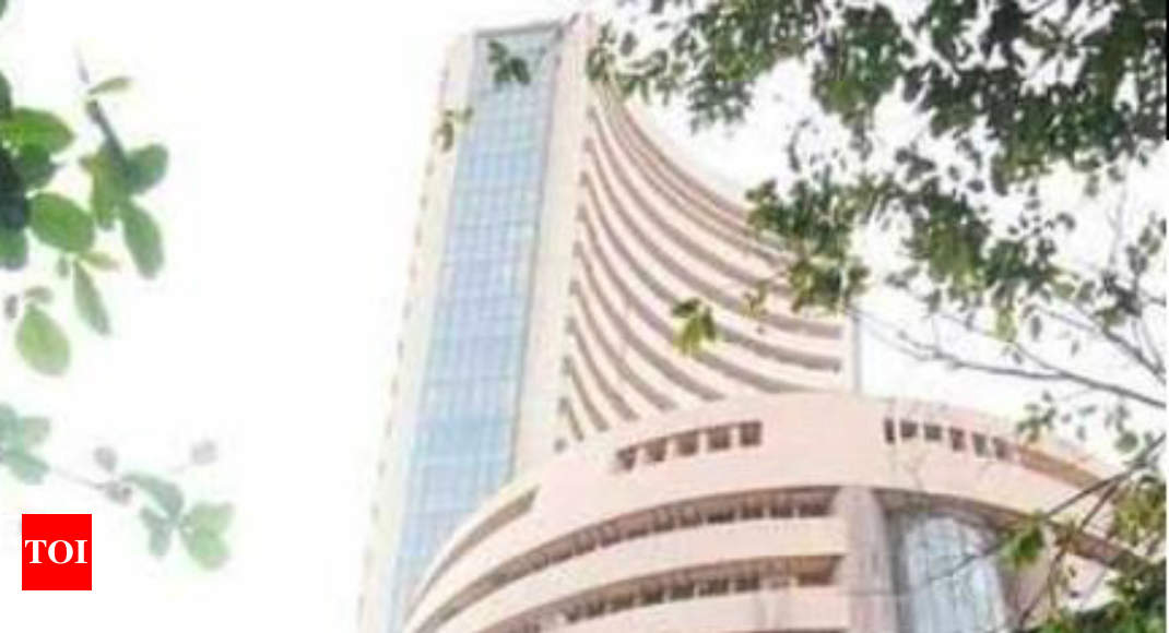 Sensex hits 40K after Narendra Modi win, but ends in the red on fears of co earnings, liquidity woes -