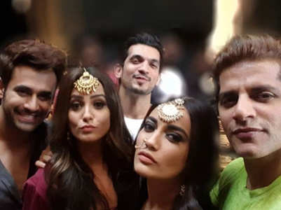 It's a wrap for Naagin 3 cast and crew