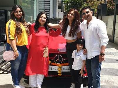 Shiny Doshi buys a luxury car; see pics