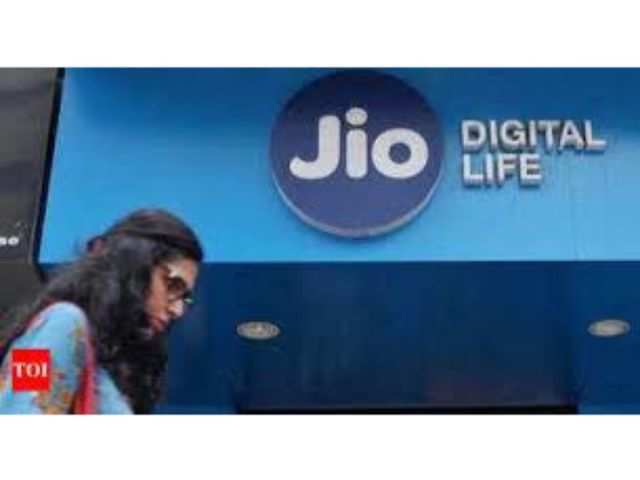 Reliance Jio lets go of contractual staff