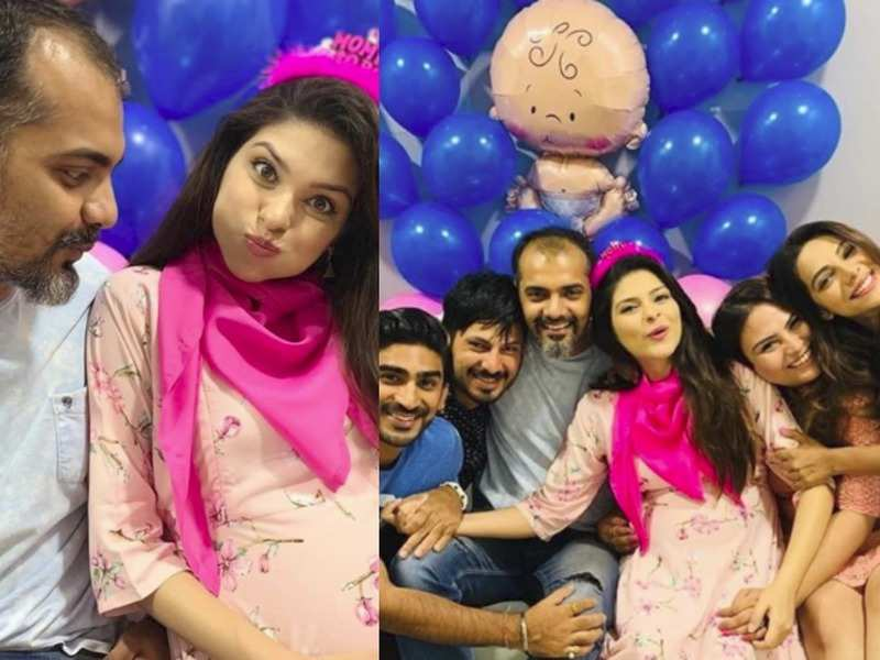 Mom To Be Neha Kaul Cannot Stop Smiling At Her Fun Baby Shower See Pics Times Of India
