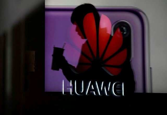 Second-hand handset dealers expect panic selling of Huawei phones in India
