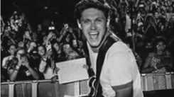 Niall Horan is one pretty boy!