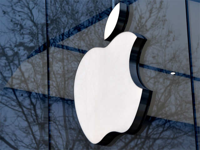 'Power lunch' with one of Apple's biggest shareholders auctioned for $4.5 million