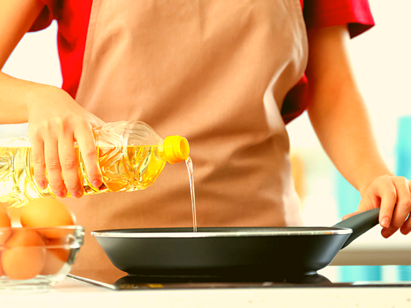 Cooking Burn Home Remedy: Burned yourself cooking? Here's what you need to do
