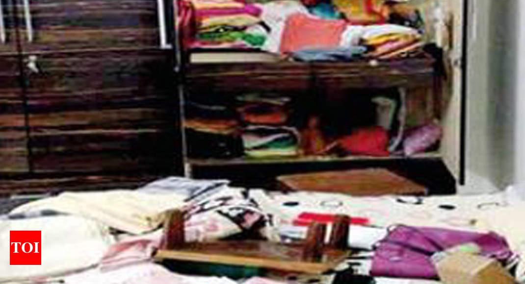 Burglary At Two Senior Executives' Homes In Noida | Noida News