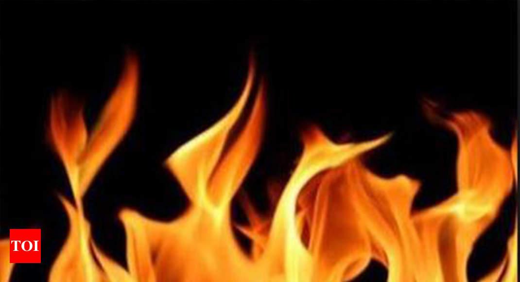 Minor Fire Breaks Out Inside A Room In Shastri Bhavan | Delhi News