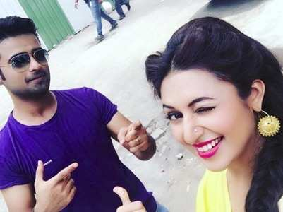Divyanka comes out in support of Manish