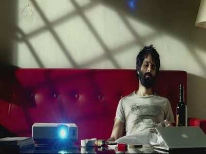Shahid shares 'Falling Apart' dialogue promo