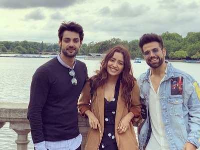 Karan, Asha, Rithvik enjoy in London