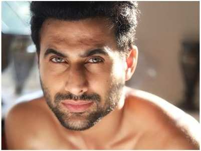 Freddy Daruwala shares pictures of his son