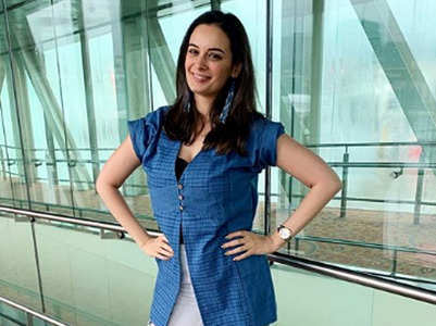 Saaho: Evelyn jets off for the last schedule