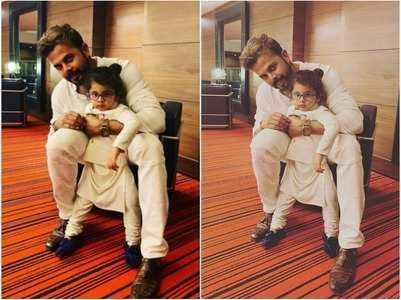 Sreesanth and son nail the twinning game