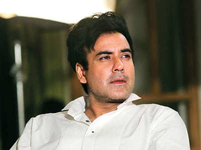 #MenToo: Karan joins dharna in Mumbai