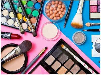Why you should clean makeup brushes