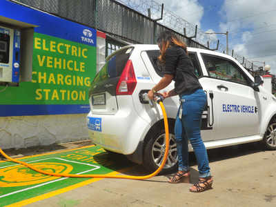 Niti Aayog: Niti's new road map: Only electric vehicles to