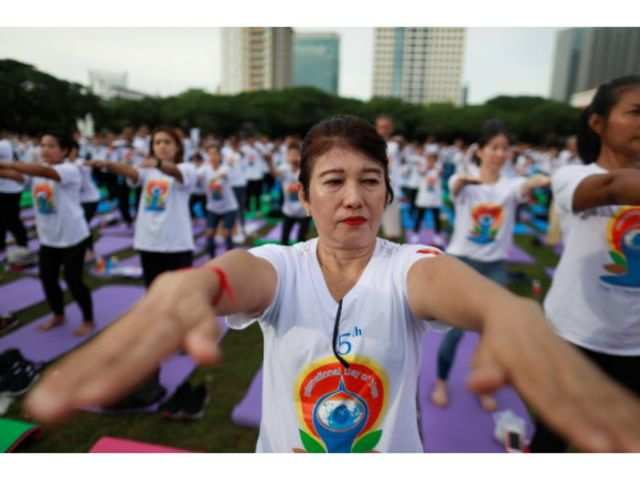 Try these apps and online platforms to perform yoga this International Yoga Day