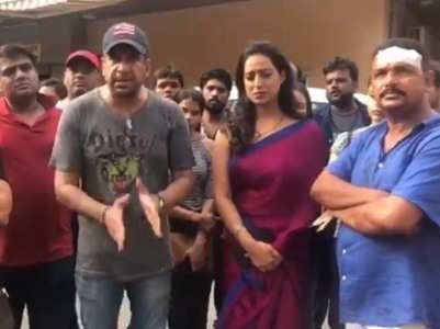 Mahie Gill and her crew assaulted on the sets