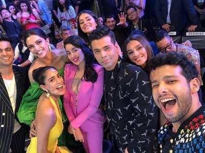 Deepika, Janhvi and Ananya pose for a selfie