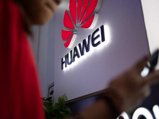 Huawei may cut down shipments of its flagship smartphones