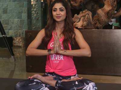 Watch: Shilpa leads a massive yoga session