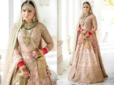 This bride wore the most gorgeous Sabyasachi lehenga for her Anand Karaj