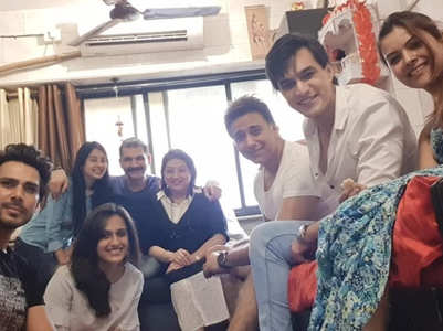 Team YRKKH head for a sudden lunch