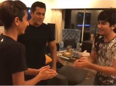 Salman spends some quality time with nephews