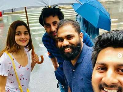 Ranbir and Alia snapped with their fans in NY
