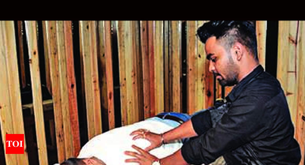 Now more men head to ranchi 39 s spas ranchi news times for Spa bhopal uniform