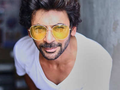 Sunil Grover joins Arjun Patiala as narrator