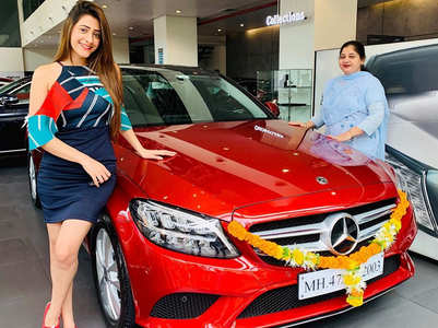 Hiba Nawab buys a swanky new car
