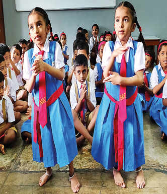 Twins Riddhi-Siddhi have a ball on day one at school
