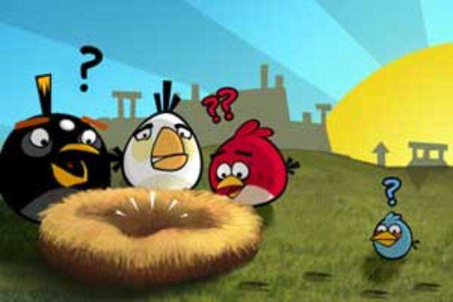 All those who paid $0.99 to purchase Halloween version of 'Angry Birds' game will now be able to pick up the Christmas version of the game for free.