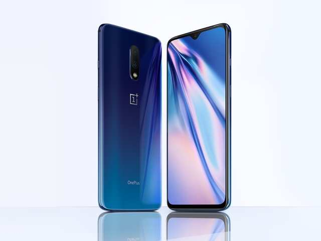 OnePlus 7 Mirror Blue unboxing and quick look video: Here's how the new colour looks like