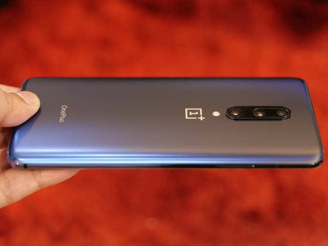 OnePlus 7 Pro users complain of smartphone getting switched off randomly