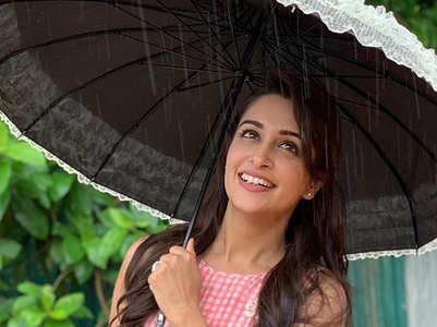 Dipika Kakar Ibrahim enjoys Mumbai monsoon